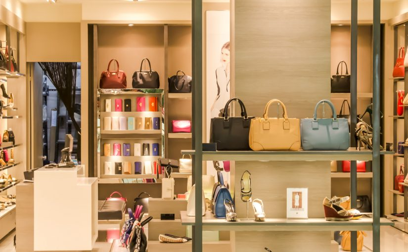 Try Offline and Buy Online: Brick and Mortar Shops Serve as Shop Fronts for their Online Competitors